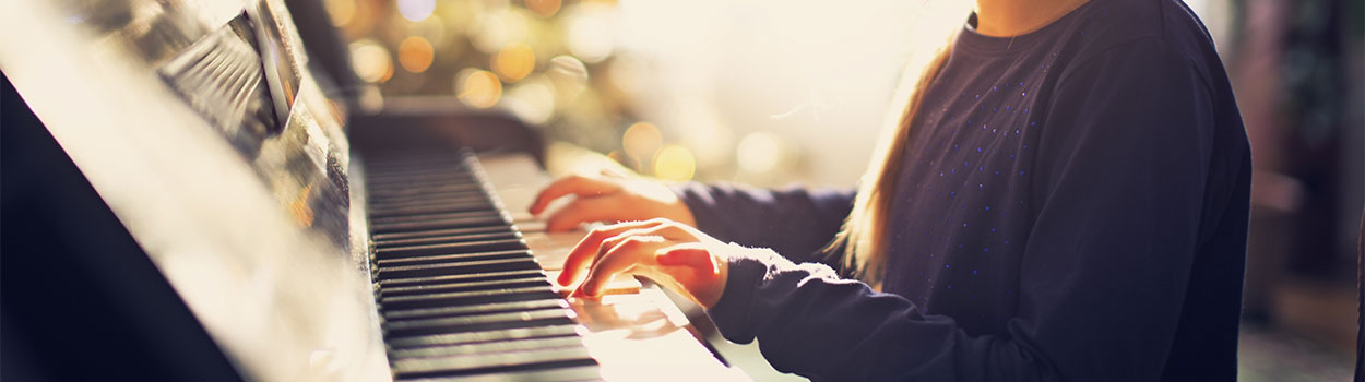 Nashville Music Academy, Girl playing piano